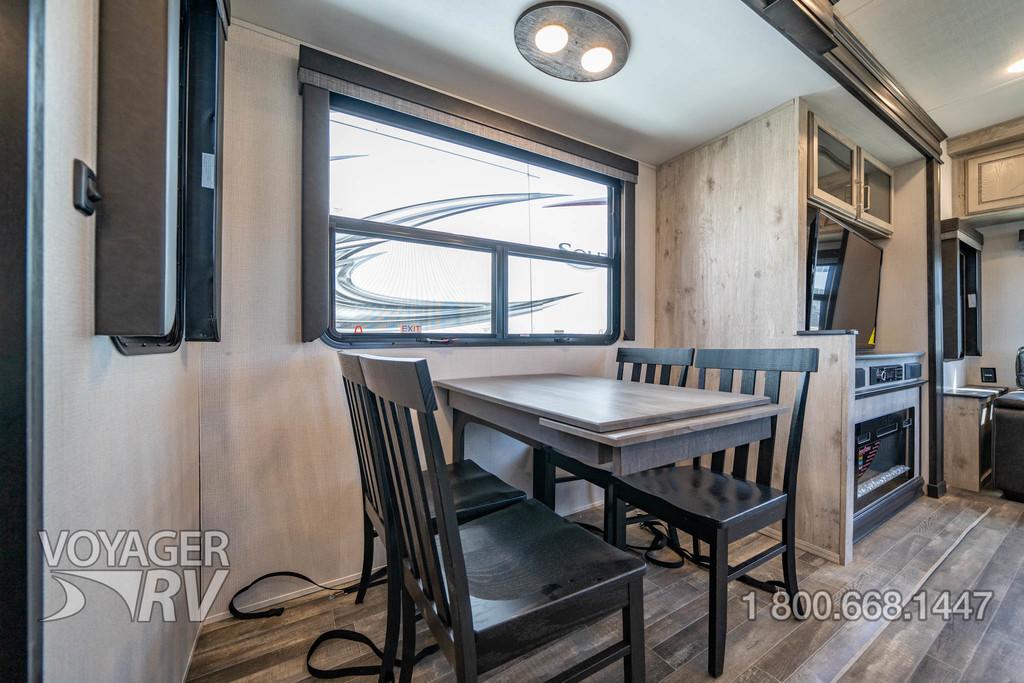 2022 Keystone Avalanche 338GK