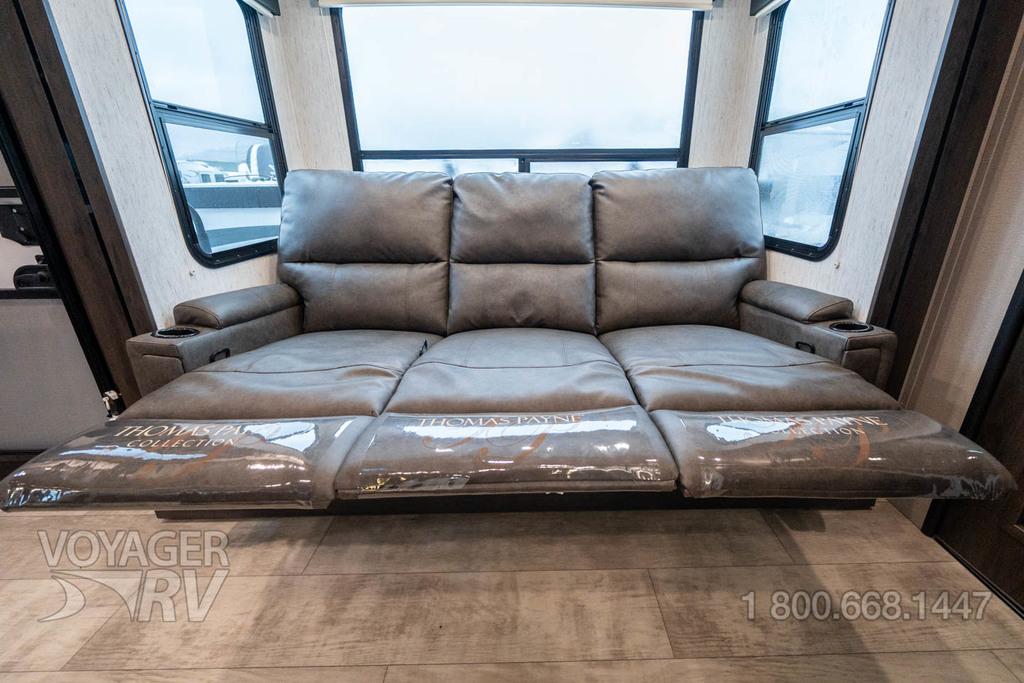 2022 Grand Design Momentum G-Class 31G